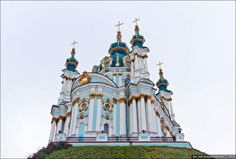 Андреевская церковь сзади