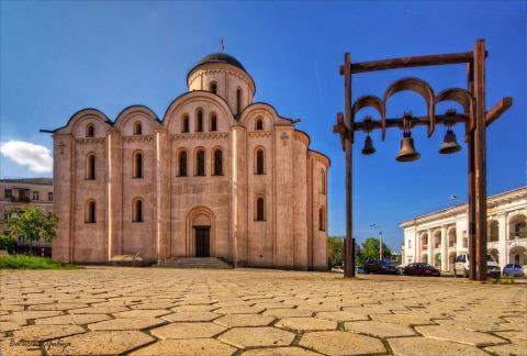 Церковь Успения Богородицы Пирогощи