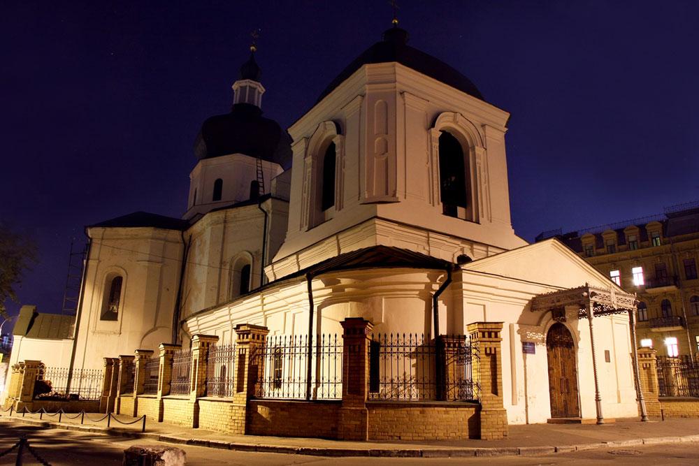 Церковь Николы Притиска вечером