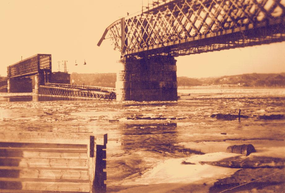 Мост Струве после подрыва поляками