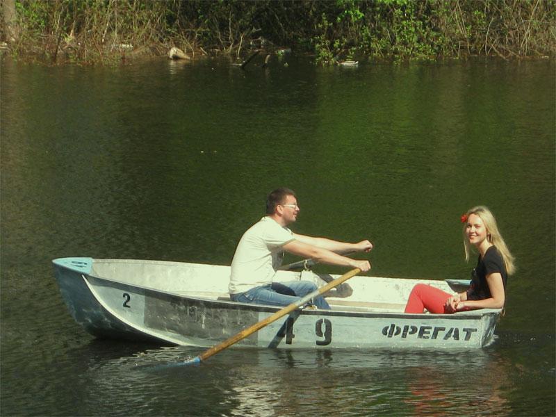Прогулка на лодке в Гидропарке