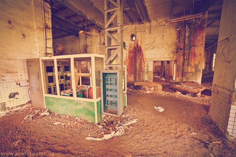 Подвал завода