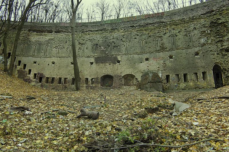 Нижняя полукруглая подпорная стена
