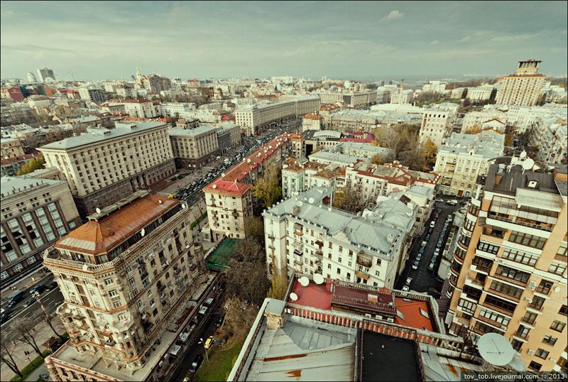 Вид в сторону площади Независимости