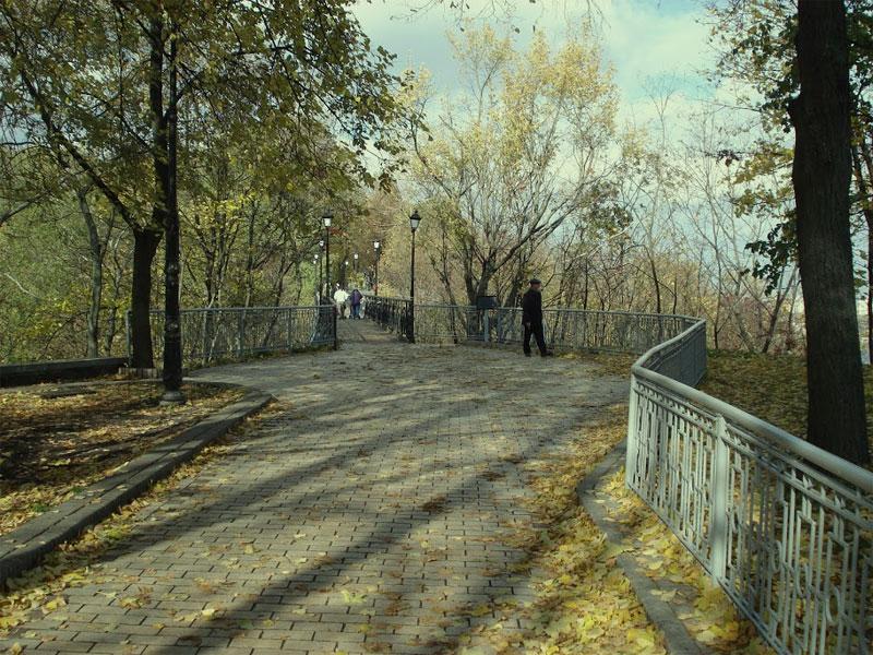 Мост влюбленных в Крещатый парк