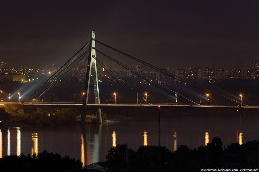 Московский мост ночью