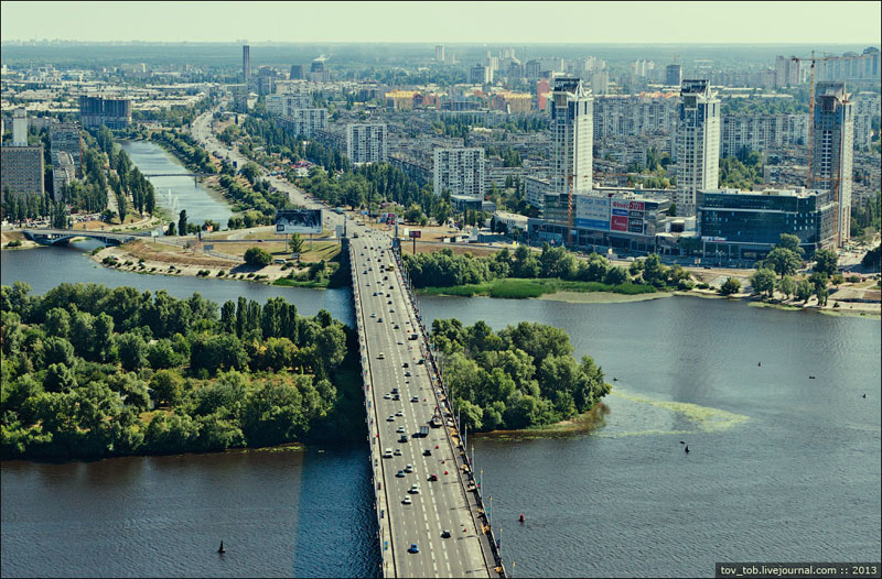 Мост Патона, вид из самолета
