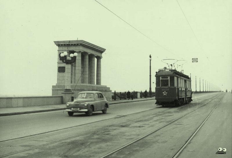 Трамвай на мосту Патона, 1950-е годы