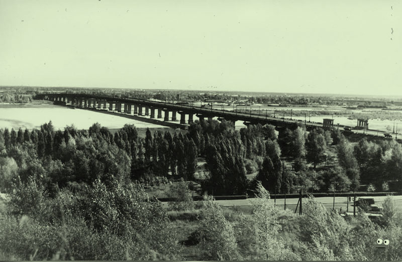 Мост Патона, вид с места где в будущем будет Родина-Мать