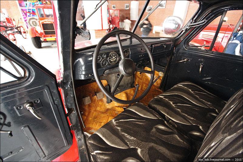 Внутри ГАЗ-51