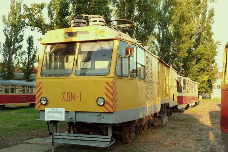 Трамвай для посыпки путей щебнем и песком