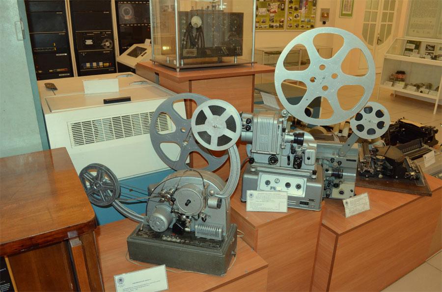 Кинопроекторы