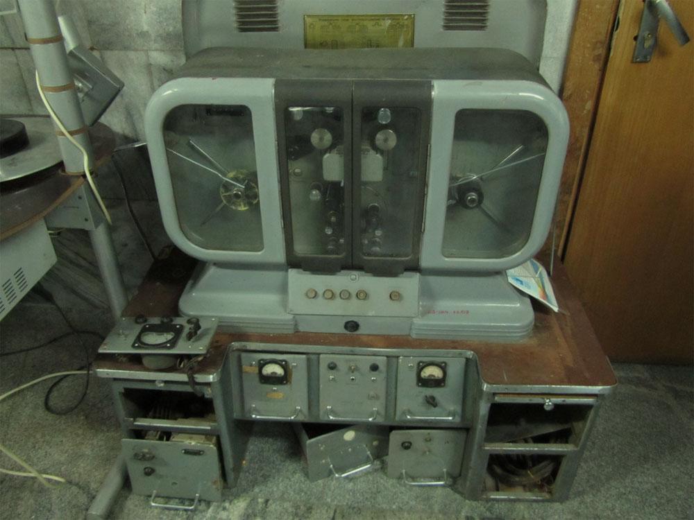 Старинный видеомагнитофон