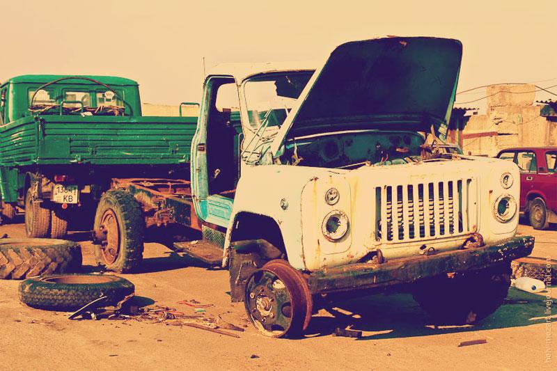Разобранный грузовик