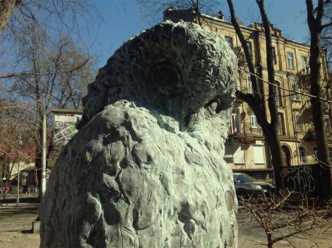 Памятник сове