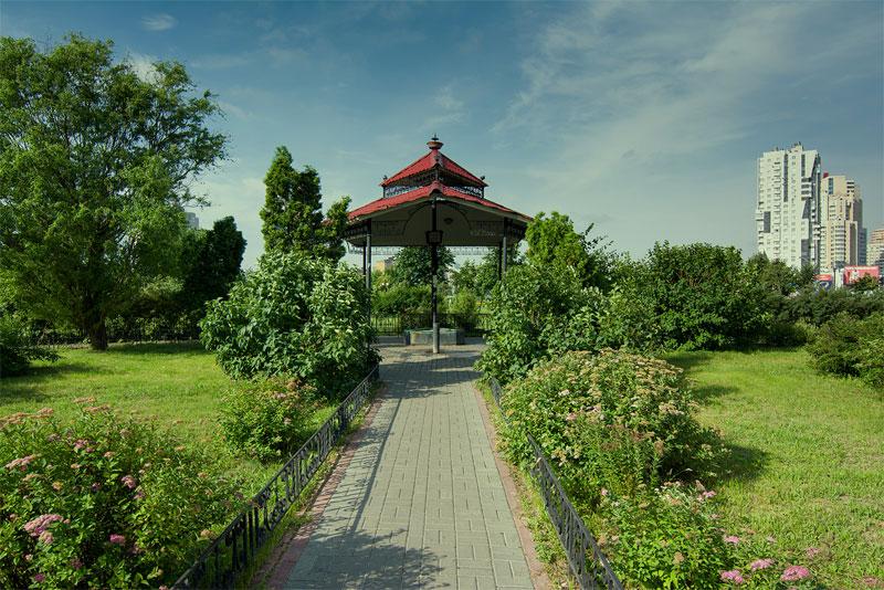 Бювет в парке