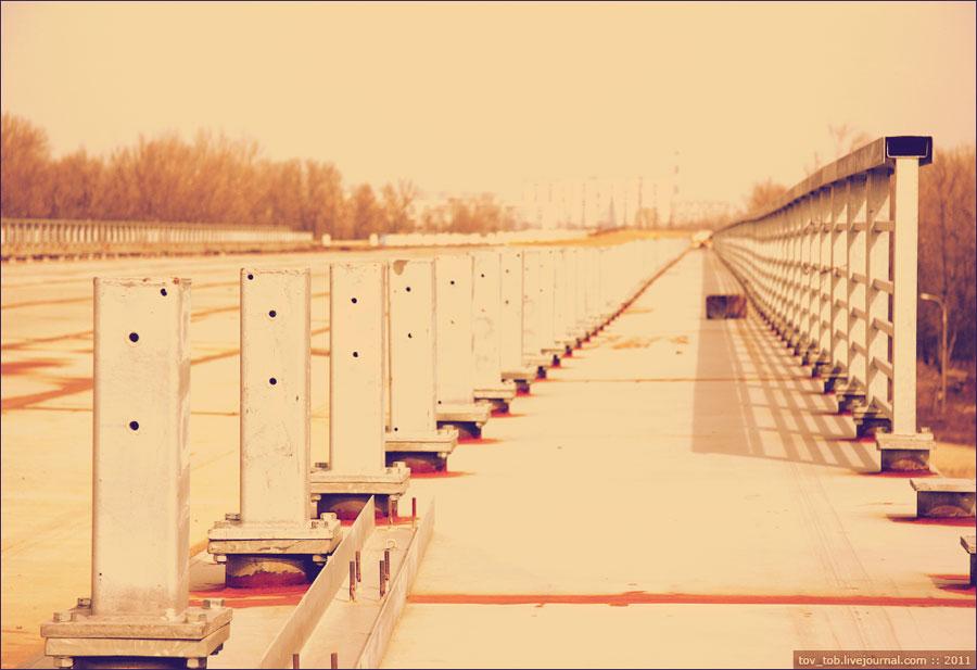 Наверху моста через Десенку