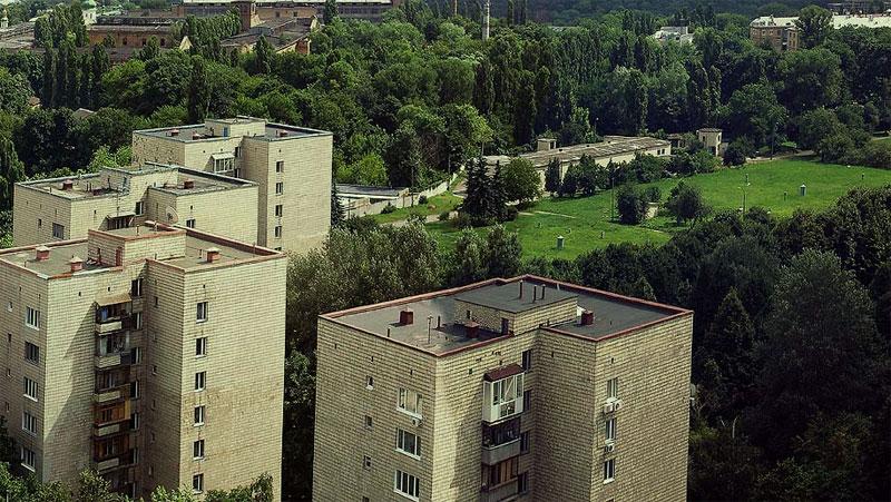 """Дома Кабмина и """"верхняя площадка"""" водохранилищ"""