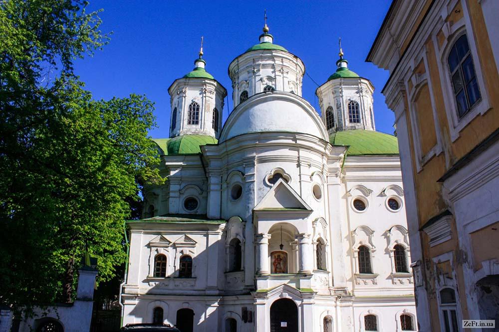 Покровская церковь общим планом