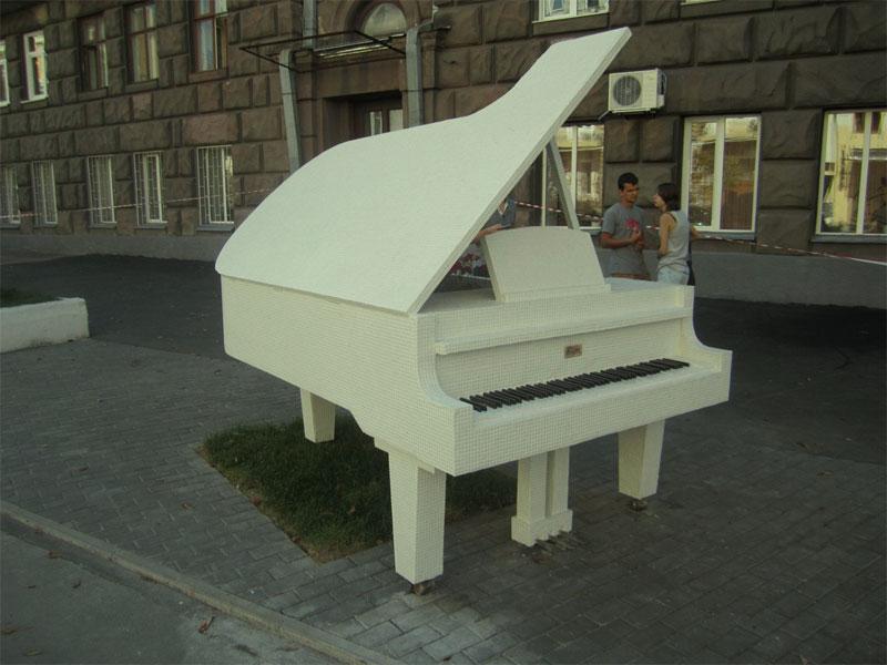 Общий вид рояля