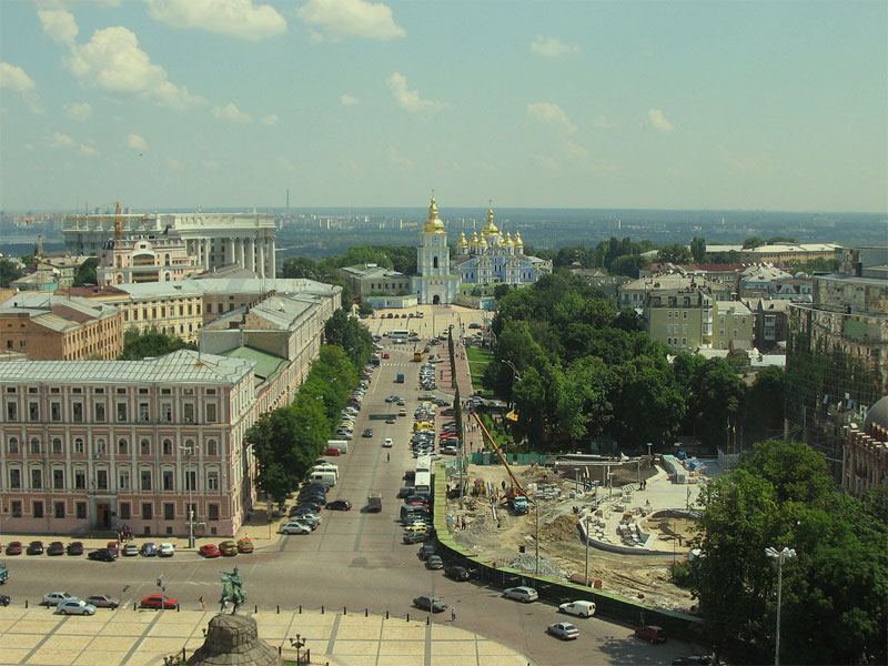Вид на Михайловский монастырь