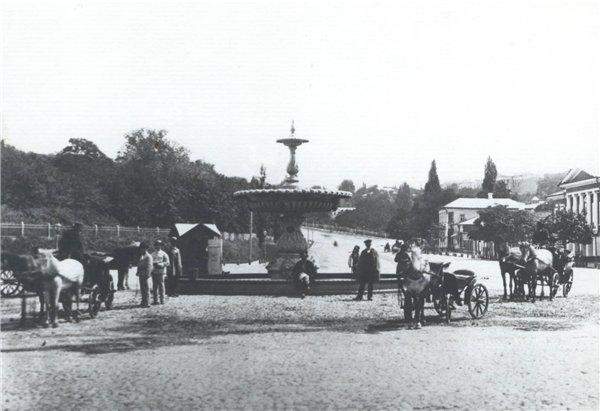 Терменовский фонтан на Европейской площади