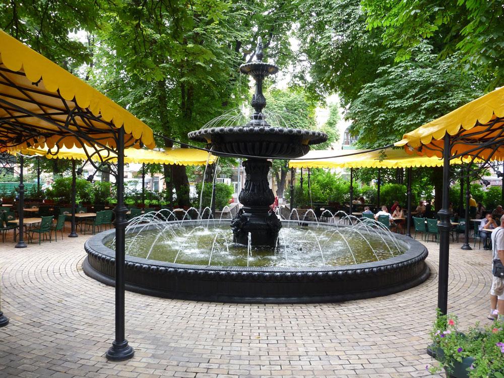 Терменовский фонтан на Золотых Воротах