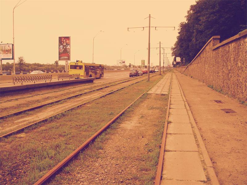 Вид в сторону метро Днепр