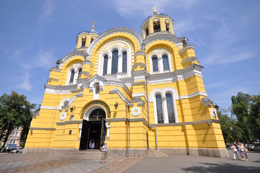 Владимирский собор снаружи