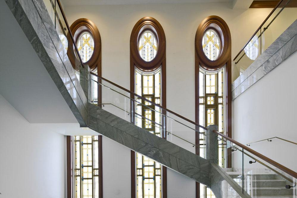 Внутри храма мормонов
