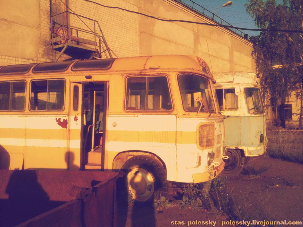 Автобусы-развозки для персонала завода