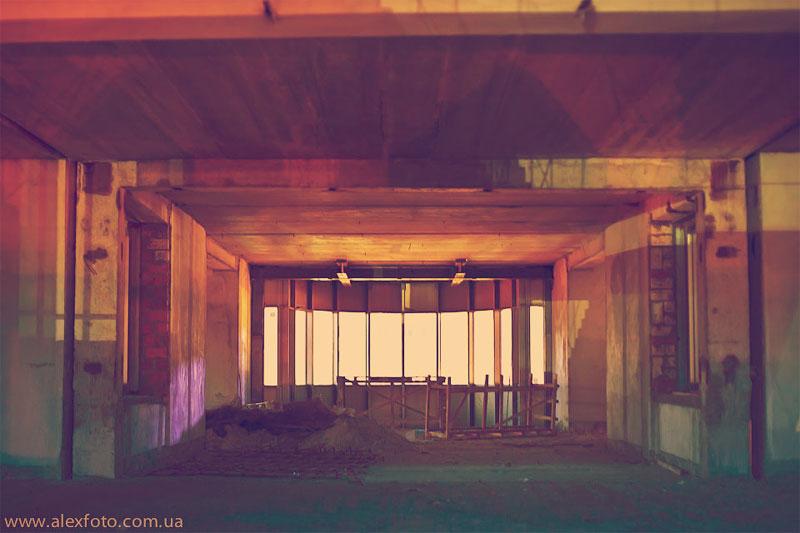 Внутри здания ничего интересного