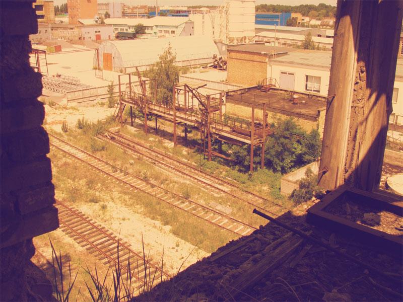 Вид из цеха завода